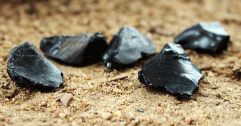 Néolithisation des îles corse et sarde \: enquête sur les industries lithiques